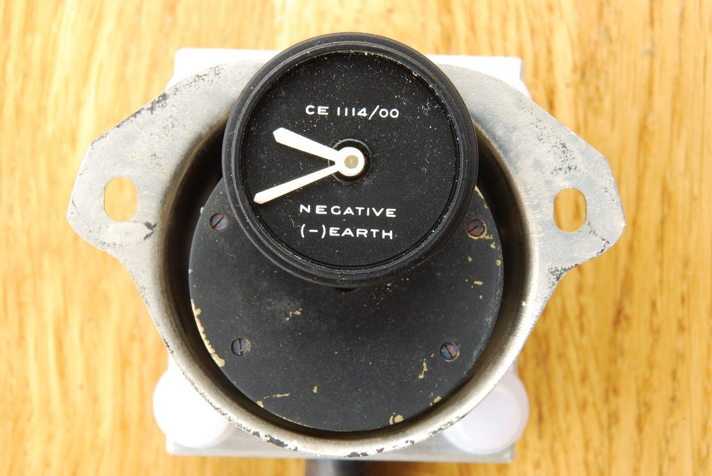 Smiths car clock CE1114 as received dial
