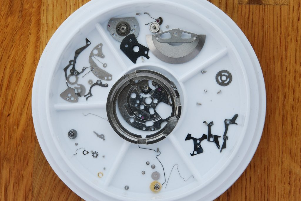Seiko 6138-3002 - chrono auto and calendar parts